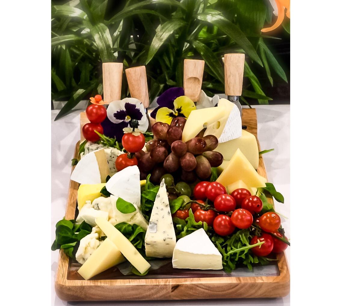 Nowość w naszej karcie – deska serów idealnie pasująca do wina!